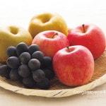 お菓子の代わりに果物を食べて、おやつの習慣を止めました