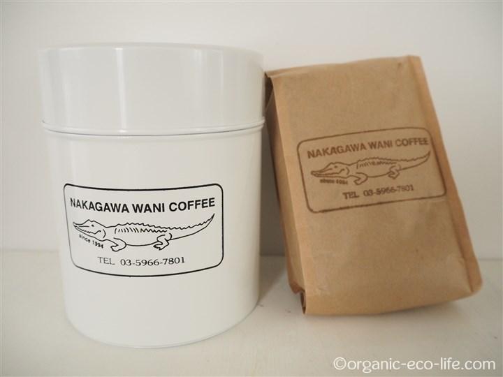 コーヒー缶とコーヒー豆