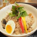 新宿の「BOWLS cafe(ボウルズカフェ)」でのんびりと遅めのランチ