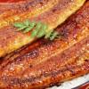 秘伝のタレで外はカリッと香ばしく中はふっくら柔らかい「うなぎ屋かわすい」の国産鰻蒲焼き