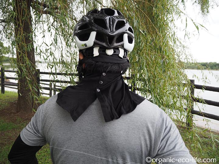 シルクのUVカットマスク後ろ姿