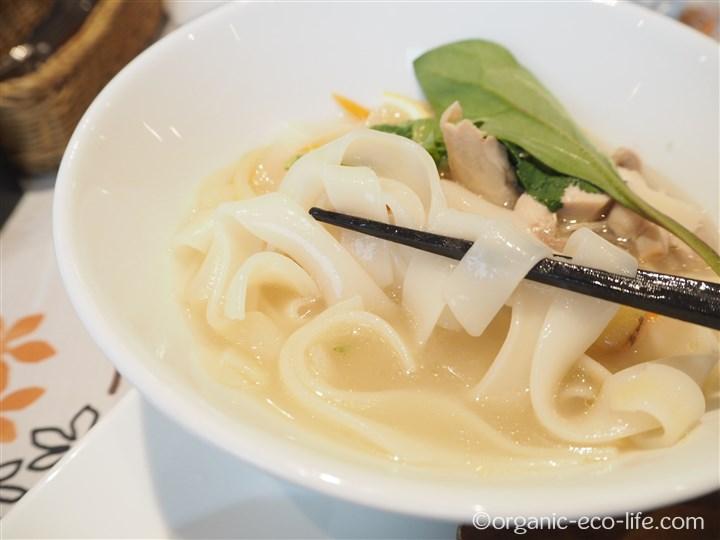 フォーは太麺