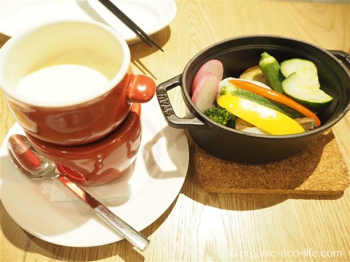 ストウブ温野菜~チーズソース
