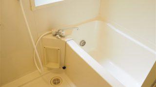 洗剤を使わずに「マイクロファイバークロス」で風呂掃除をしています