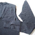 着なくなったセーターの袖を使ってウールの靴下を繕いました